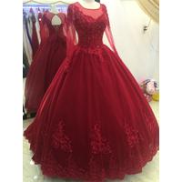 áo cưới đỏ đô tay dai chan ren cao ren sang trọng