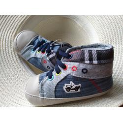 Giày vải cho bé