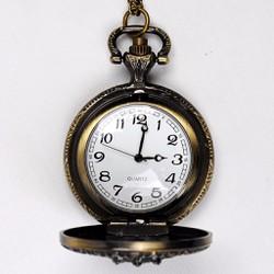 Đồng hồ quả quýt hình vương miện