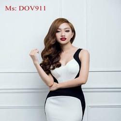 Đầm ôm body phối màu trẻ trung cá tính kiểu cổ V và hở lưng DOV911