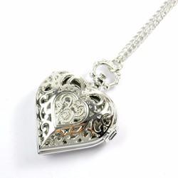 Đồng hồ đeo cổ mặt trái tim màu bạc