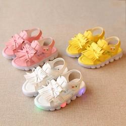 giày sandal có đèn cho bé gái từ 1 tuổi trở lên