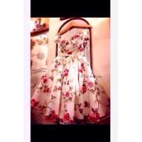 Đầm Xoè Hoa Kiếng Trễ Vai Nơ Eo