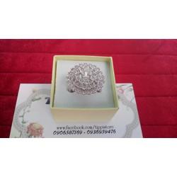 Nhẫn đá trắng hình hoa hướng dương