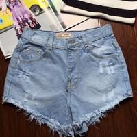 Quần shorts nữ thông dụng dể phối áo cho nàng tha hồ lựa chọn-159
