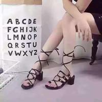 HÀNG NHẬP LOẠI 1 :Giày gót vuông dây cột phá cách