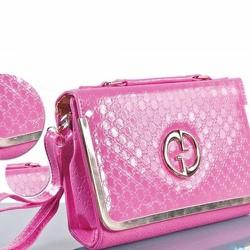 Túi xách nữ Gucci: thanh lịch và sang trọng có gọng vàng ở nắp-111