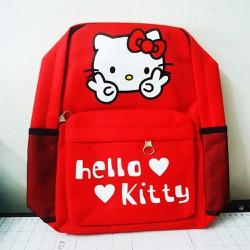 Balo Hello Kitty màu đỏ cho bé