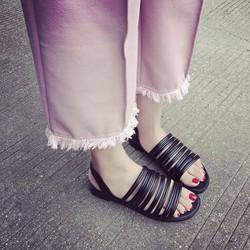 Giày sandals dây quai ngang