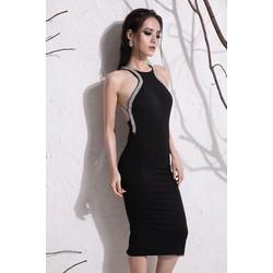 Đầm đen hở lưng cổ yếm thiết kế ôm body viền đá tinh tế M3921
