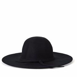 Mũ dạ vành rộng vành cực cá tính với style Hàn