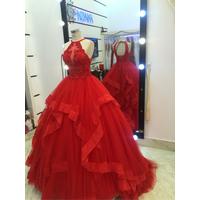 áo cưới tung voan có đủ màu