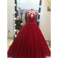 áo cưới đỏ va xanh bich hàng co sẵn hinh that