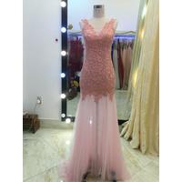 áo cưới đuôi cá màu hồng pastel