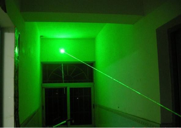 Đèn Pin - Bút laser sdl laser 303