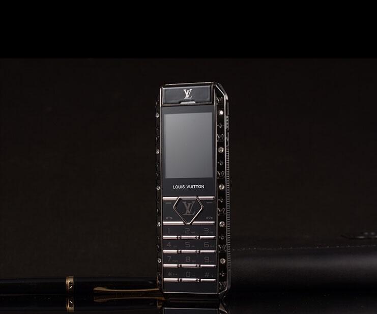 Điện thoại V12 đẳng cấp thượng lưu 2