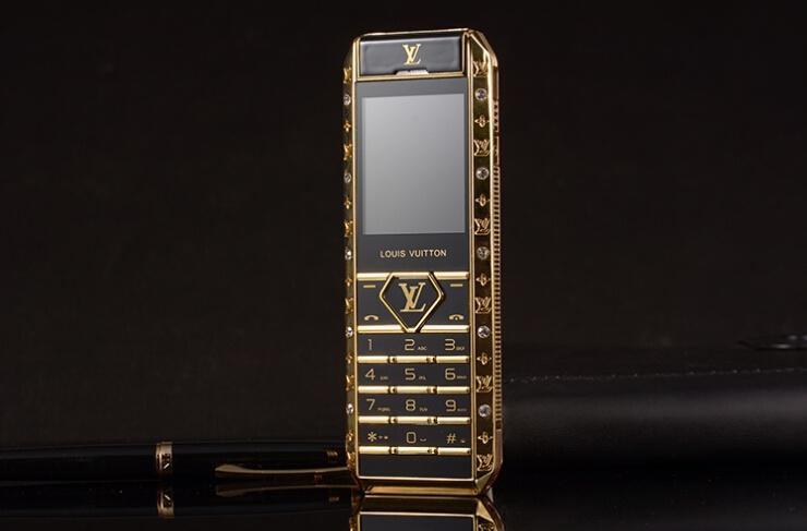 Điện thoại V12 đẳng cấp thượng lưu 3
