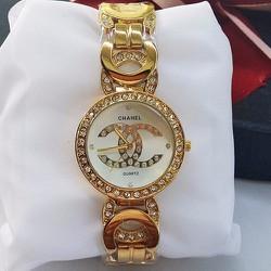 Đồng hồ Chanel vàng đính đá cho phái đẹp thêm tự tin và lôi cuốn-535