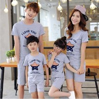 Bộ áo và quần cho cả gia đình 4 người năng động hgs 251