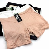 quần bó tạo cảm giác thoải mái khi mặt đầm ngắn-129