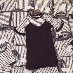 Set áo sọc váy đen