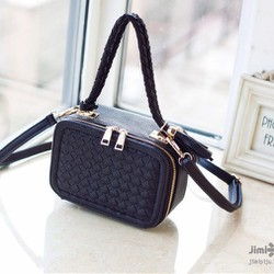 Túi xách dáng hộp phong cách thời trang Hàn Quốc