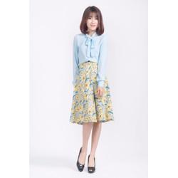 Chân váy xòe hoa xanh