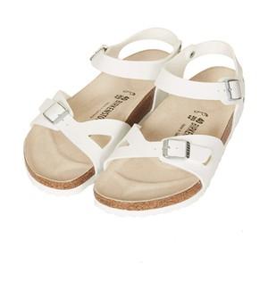Sandal Đến Trường