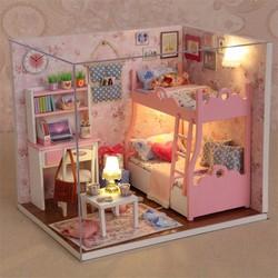 Mô hình nhà gỗ Căn phòng bé gái phát triển trí tuệ cho trẻ