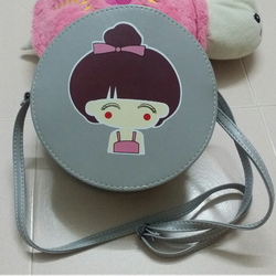 Túi xách nữ dáng tròn hình cô gái đáng yêu