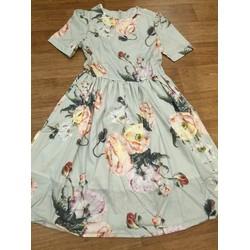Đầm xòe họa tiết hoa xinh xắn