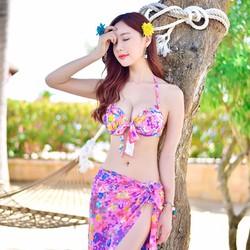 Đồ bơi bikini nữ 3 mảnh hoa hồng kèm khăn choàng