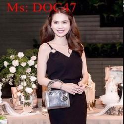 Đầm body tay con vải ren hoa nổi trẻ trung sành điệu DOC48