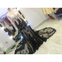 áo cưới duoi ca ren da đen đuoi dai 1m