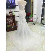váy cưới đuôi cá trắng xinh giá mêm
