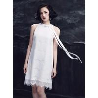 Đầm Ren Suông Cổ Yếm Thắt Nơ Giống Tâm Tít - 3747.DZO