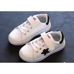 Giày thể thao ngôi sao trắng sành điệu