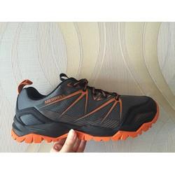 Giày leo núi Merrell