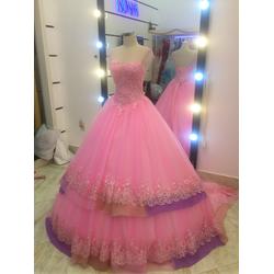 áo cưới hồng cúp tim hinh thật co sẵn