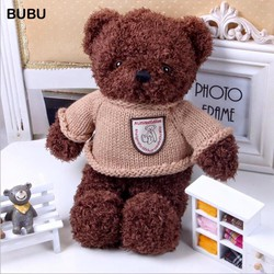 Gấu Teddy mặc áo len