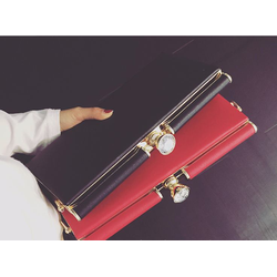 CLUTCH- XẮC CẦM TAY