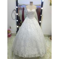áo cưới ren cúp xinh