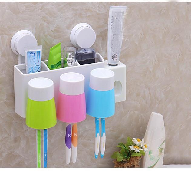 Bộ nhả kem đánh răng tự động gắn tường kèm 3 cốc 3