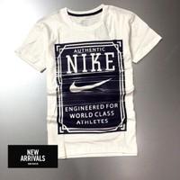 Áo thun Nike cổ tròn