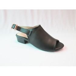 Giày sandal màu đen