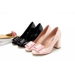 Giày cao gót nữ dễ kết hợp với mọi kiểu dáng thời trang mới