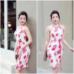 Đầm body cổ yếm họa tiết ô vuông - D1547