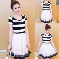 Đầm sọc ngang phối váy xòe viền ren