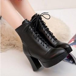 Giày boot nữ đế vuông bụi bặm cá tính GBN45