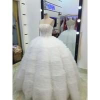 áo cưới trắng tùng múi xù
